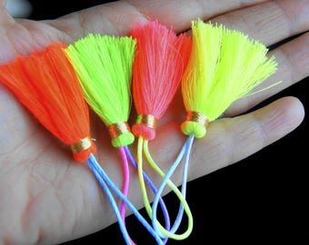 CRAFT CREATION! LOT 4 NEON COLOR TASSEL VARIES AND YARN GOLDEN + 8 CM