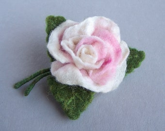 Pink rose bouquet brooch pin Multicolor green, red, white Bright accessory Elegant Wedding accessory jewelry Flower floral pin