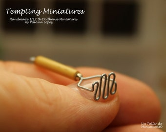 Potato Masher - 1:12th Dollhouse Miniatures