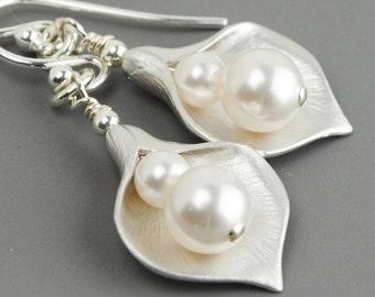 White Pearl Earrings - Flower Earrings - Bridal Earrings - Pearl Drop Earrings Silver - Bridesmaid Earrings - Swarovski Earrings