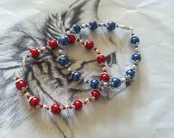 "Bracelet ""Choose yours - Red or Blue?"" pearl beads"