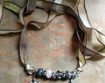 Beautiful Birds/Necklace/Bracelet/Silk Wrap