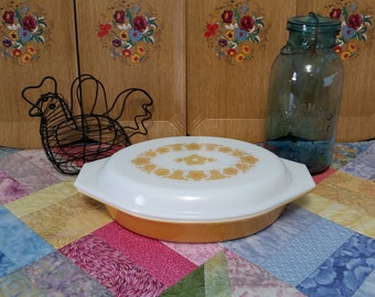 Pyrex Butterfly Gold Divided Dish or Covered Casserole - 1 Quart Gold Relish with White Lid