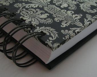 Gratitude Journal - Daily Gratitude - Thankful Journal - Yearly Journal - Three Years - Lined Journal - Grateful - Line a day - Black Damask