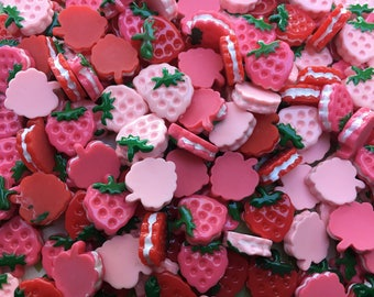 18pc. Strawberry and Cream resin Cookie Sandwiches