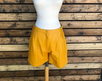 Vintage 70's mustard yellow leather short