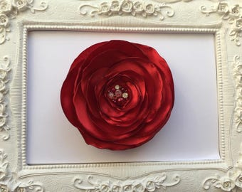 Brooch Fleur Rouge elegant satin with pearls and crystals