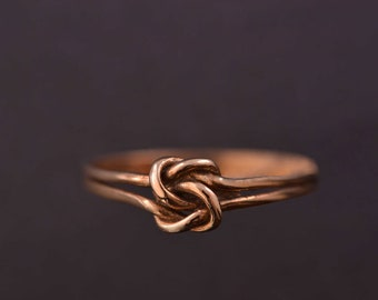 9ct Yellow Gold Victorian Knot Ring (262k)