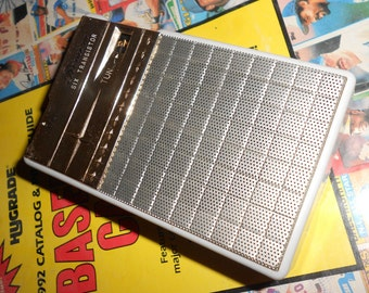 """Atomic Transistor Radio """"Riviera RV62"""" Reverse Painted With Original Box & Accessories 6 Transistor Pocket Model In Real Leather Case"""