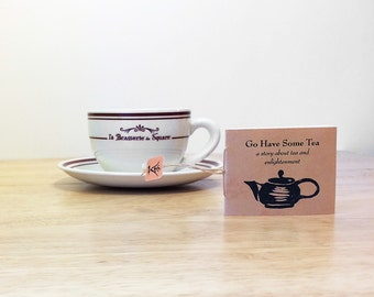 A mini zine with a zen story about tea and meditation, in a tea packet sleeve. Tea lover gift.