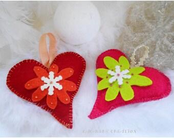 Décoration de Noël, décoration sapin, coeur à suspendre, décoration coeur en feutrine, coeur feutrine sapin noel, coeur rouge, coeur rose,