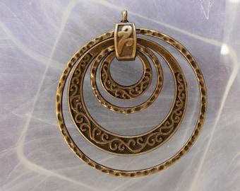 Pendant bronze metal rings