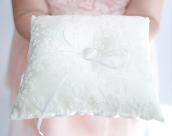 Ring Bearer Pillow | Ring Pillow | Lace Ring Pillow | White Ring Pillow | Vintage Wedding