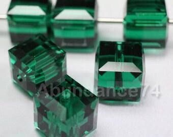 12 pcs Swarovski Elements - Swarovski Crystal 5601 4mm CUBE - EMERALD