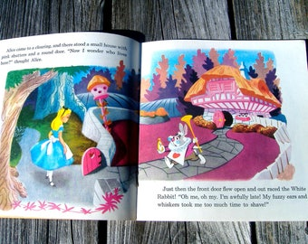 Walt Disneys Story of ALICE IN WONDERLAND Read Along Childrens Full Color Illustrated Picture Book