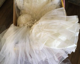 1984 Vintage Wedding Dress  Ball Gown   - Sweetheart Neckline  - Cathedral Length Train Ivory/White