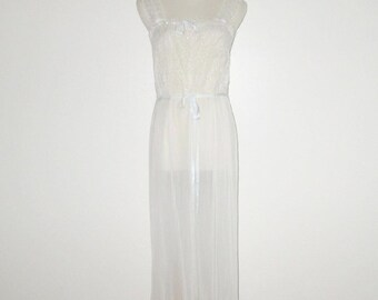 Vintage 1950s 1960s White Off-White Nightgown / 50s 60s White Embroidered Nightgown With Crystal Pleats & Blue Ribbon By Micheline - Size 34