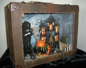 Haunted House Diorama - Incredible Halloween Artwork by Lori Gutierrez!  OOAK!
