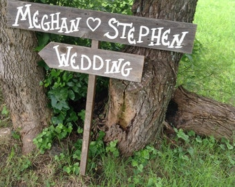 Rustic Wedding Sign / Personalized Wedding Sign / Country  Wedding Sign / Country Wedding Decoration / Wedding Direction Sign / Name Sign