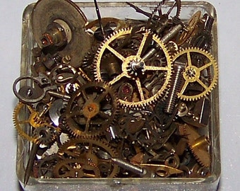 STEAMPUNK Parts Pieces Watch Gears  5g LOT From Mix in Pics STEAMPUNK Pocket Watch Bits