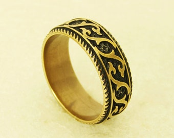 Ring With Ornament