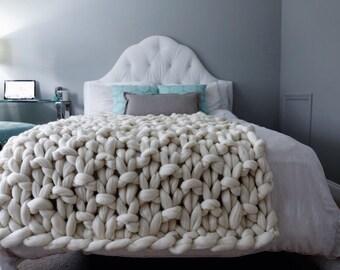 NEW PATTERN! Chunky Knit Blanket, Merino Wool Blanket, Hand Knitted Blanket, 23 Micron Blanket