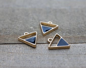 5 PIECES gold plated triangle pendant with black enamel, triangle pendant, triangle charm, gold plated pendant, enamel pendant B0084390