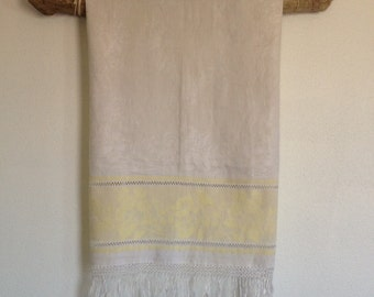 Vintage Linen Cloth,  Antique White and Yellow Damask Linen Cloth, Guest Towel, Beautiful vintage textile gift.