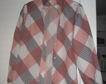 1970's Polyester Button Top with abstract design