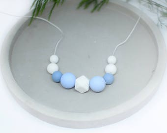 Teething necklace baby blue, baby shower gift teething necklace, silicone teething necklace, baby nursing necklace, beaded necklace