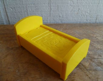 Fisher Price Little People Bed Vintage