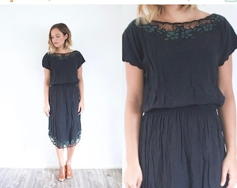 15% OFF MEMORIAL DAY sale Boho black crochet lace dress // summer 80's dress // 60's dress // small little black dress // back midi dress //