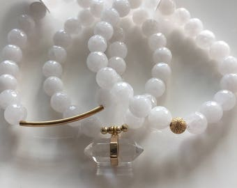 Snow Jade and Gold Semiprecious Stone Bracelet Trio