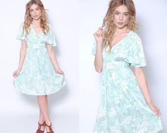 Vintage 70s GREEN Floral Boho Dress BUTTERFLY Sleeve Hippie Dress Vintage Summer Dress