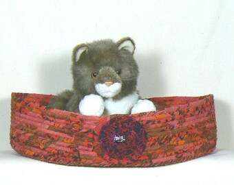 Cat Bedding, Cat Basket, Washable Pet Bed, Cat Snuggle Bed, Coiled Fabric Basket, Clothesline Basket, Oval Storage Basket, Bed for small Dog