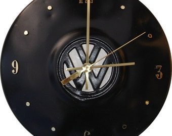 VW Hubcap Clock, Black with numbering (a1221 hub cap, recycled, ecofriendly)