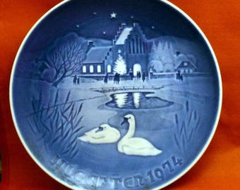 Vintage Bing & Grondahl Denmark Christmas in the Village Porcelain Decorative Wall Plate, 1974