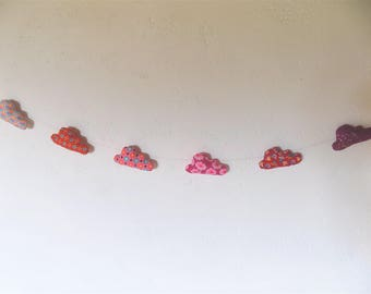 small Garland of six clouds patterned fabric Petit Pan (warm)