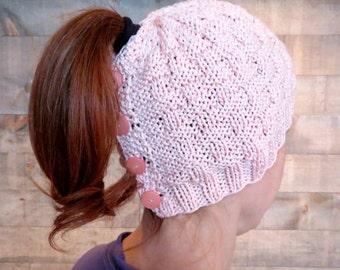 Basketweave Ponytail Hat  / spring hat knitting pattern// toque // beanie // beginner knitting // best ponytail hat pattern
