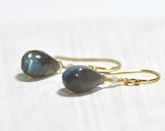 Labradorite Earrings. Gray stone Earrings,  Grey stone Earrings, Minimalist, Labradorite Gold Earrings