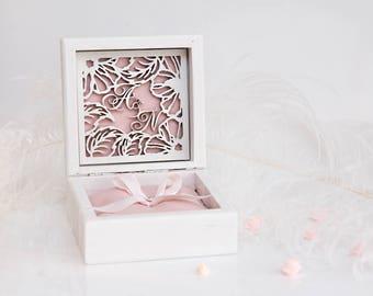 Engraved Custom Ring Bearer Box, Wedding Ring Box, Personalized Wedding Box, Ring Bearer Pillow, Wedding Ring Holder,Bride and Groom, Mr Mrs