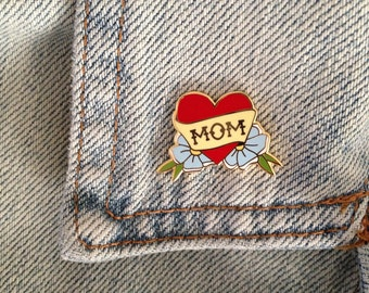 Mom enamel pin