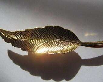 Vintage gold tone  Leaf  Brooch   2 1/4''  long