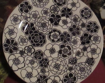 Hand Drawn Hand Decorated Decorative Flower Drawing Plate