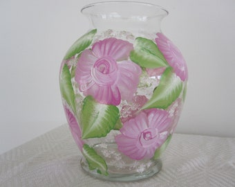 Vase clear, Roses hand painted, great Mothersday gift, Birthday, Anniversary, Housewarming, Gift for Teacher, Bridal shower, Retirement