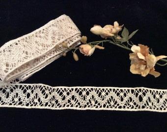 Vintage Ecru Linen Lace Trim, Vintage Lace, Vintage Trim, Vintage Sewing Supplies, Vintage Craft Supplies, Wedding Lace, Bridal Lace