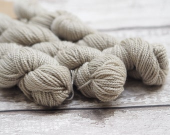 Naturally dyed yarn - oak leaves on 100% lambswool