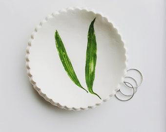 Willow Ring Dish, Green Leaf Ring Dish, Botanical Ring Dish, Ring Holder, Clay Dish, Nature Dish, Art Bowl, Jewelry Dish