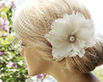 Ivory Birdcage Veil Wedding Hairstyles Bridal hair Wedding birdcage veil Bridal Headpiece Hair updos Ivory fascinator Bridal Hairstyles