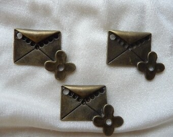 Charms, 20mm Antique Bronze Metal Envelope Charm, pack of 3.